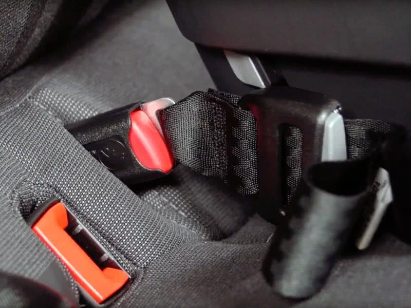 Peg Perego Primo Viaggio review base LATCH car seat - Baby Gear Essentials