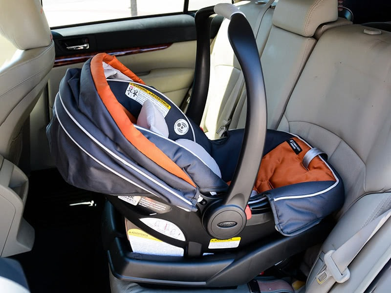 Graco SnugRide Click Connect 35 seat installation - Baby Gear Essentials